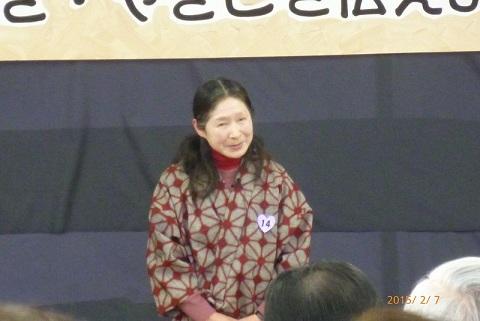 №14優しい笑顔の菊田さん 流れるような英語で朗読.jpg